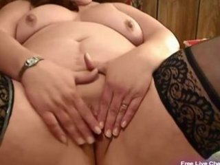 mature bbw bonks her corpulent muff with toy