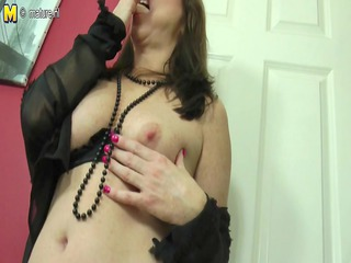 hot mama-next-door playing with her cookie