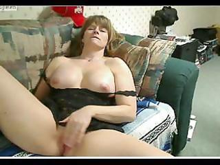 fat mature female mussing her soaked cum-hole and