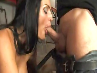 hot brunette italian d like to fuck munches on
