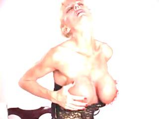 mature hot body secretary nylons heels and