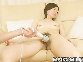 japanese cougar junko konno gratifying a hard