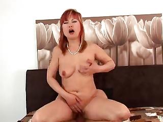 redheaded oriental mother i mackenzie!!