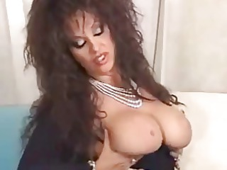 sexy aged dark brown cougar toying and blowing