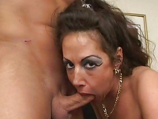 hor d like to fuck anjelica lauren munches a