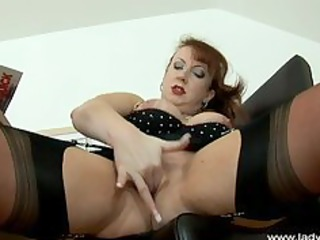 lady sonia spike heel masturbation lady sonia