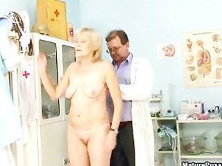 mature grandma gets her tight part0