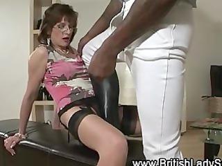 lady sonia sucks ebony shlong in shoes and nylons