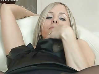 hot blond d like to fuck in pantyhose uncovers
