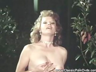 crazy three-some with two hawt mature lesbians