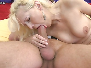 granny gets screwed by her toyboy