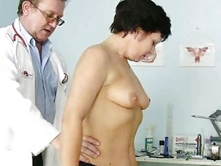 aged woman eva visits gyno doctor to acquire gyno