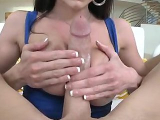 kendra craving milf with perfect booty