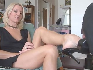 hot mother i older feet worship