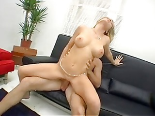 the gorgeous housewife wants to do a porn (milf)