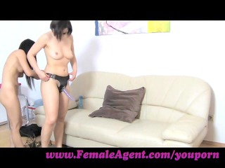femaleagent. fuck me like a dude