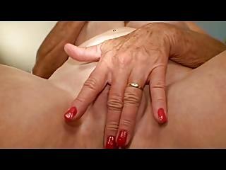 granny with good scones masturbates her hole