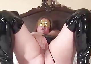 golden mask mat