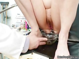 doctor inspecting a mature mama her cookie part4