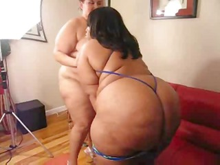 bikini clad plumpers prodding