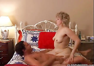 hot cougar can to fuck a younger guy