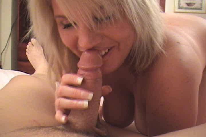 blonde d like to fuck in sexy darksome underware