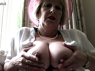 stylish mother from london going naughty