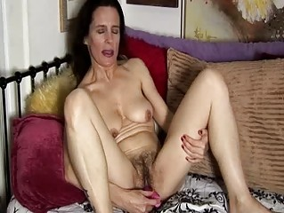 older amateur has a unshaved cum-hole