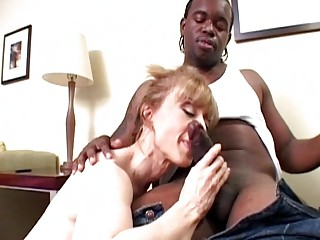 stylish blonde mother i slurps on raging black