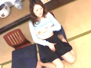 japanese housewife masturbating