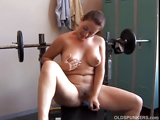 hot older non-professional with pleasant boobs