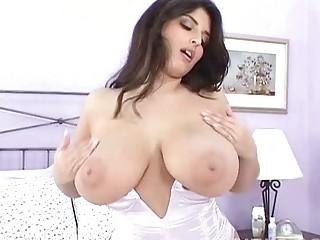 seductive brunette mother i masturbates in hot