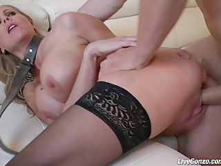 livegonzo julia ann golden-haired d like to fuck