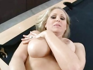 luscious mom julia ann acquires her bawdy cleft