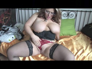 bulky and yummy mother id like to fuck