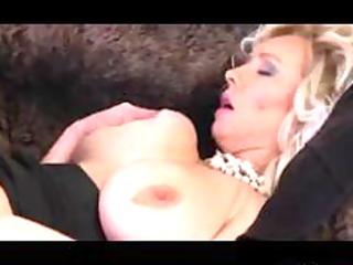 large tit blonde mommy