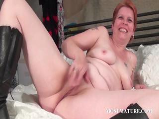 bitchy mother i masturbates wet crack in bed