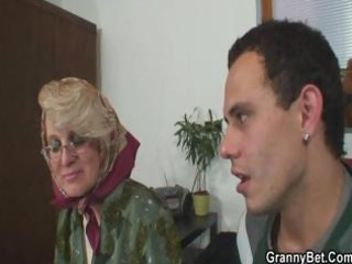 wicked grandma gives up her cunt
