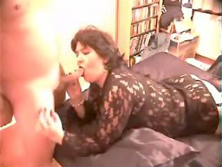 aged wife sucks dick