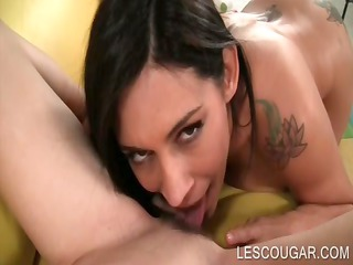 lesbo aged licking a nubiles twat