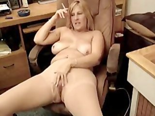 sexy overweight d like to fuck smokin 1