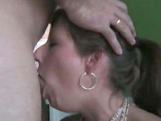 valuable wife deepthroats and swallows the full