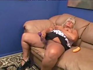 sexy 40 aged big beautiful woman getting fucked.