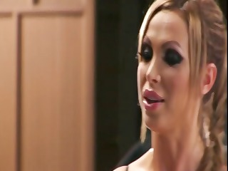 busty blond nikki benz trades oral pleasure and