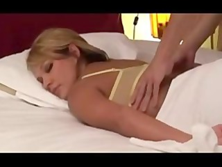 amateur blond wife massaged by japanese