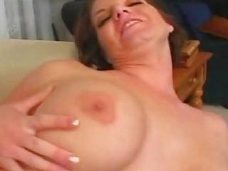 short haired dark brown momma with big marangos