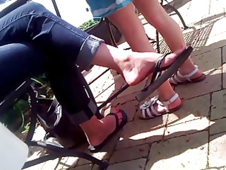 candid feet - mother i flip-flop dangle