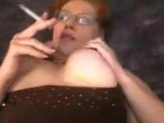 bulky mommy smokin sex