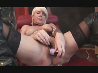 a kinky older bitch