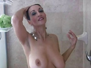 brunette hair milf with big wobblers masturbates